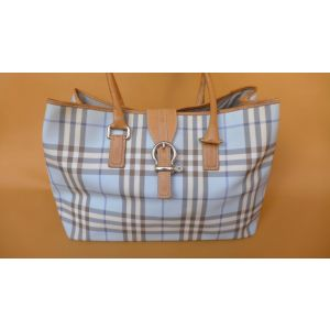 Borsa Burberry Limited Edition Tessuto Impermeabile e pelle made in italy