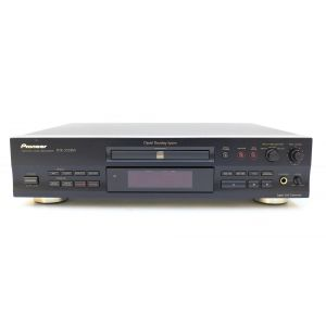 Pioneer PDR-555RW compact disc recorder CD player digital recording system hifi
